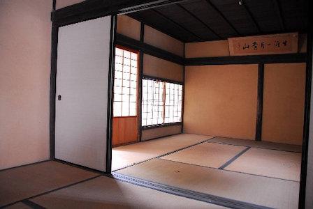 梅雨期に備える吸放湿性に富む和室